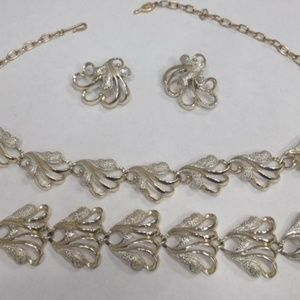 Jewelry - Vintage Signed Sarah Coventry Jewelry Set, MO207